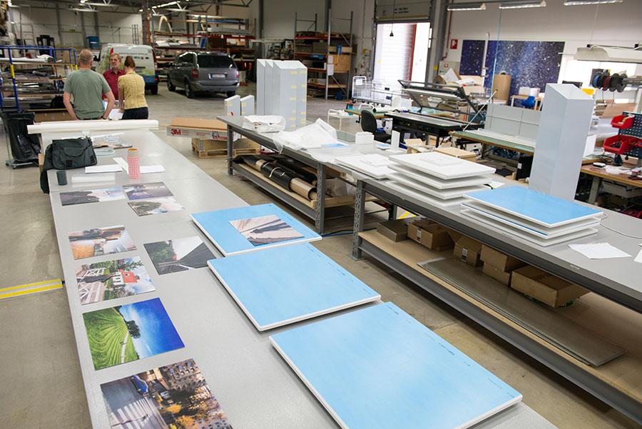 Taktila fotografier under produktion hos Layout & Dekor. Foto: Truls Nord.